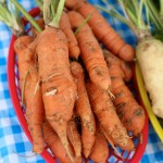 Farmer's-Mkt-West-Carrots
