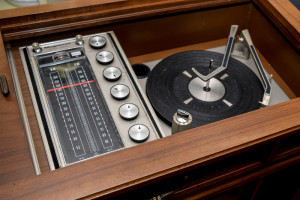 Business-Record-Player