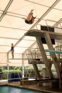 Aquatic center diving well