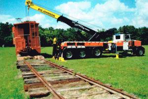 60-ton-rotator-with-a-caboose